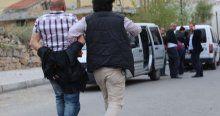 Ehliyetsiz sürücü polisten kaçtı