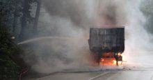 Kocaeli'de TIR yangını