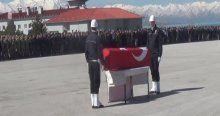 Şehit polis Kürtçe ağıtlarla uğurlandı