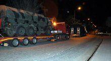 Sınıra 13 TIR'lık askeri sevkiyat