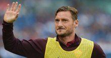 Totti 1 yıl bedava oynamak istiyor
