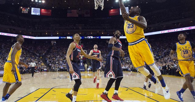 Warriors Curry'siz de tutulmuyor