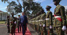 Erdoğan, Uganda'da resmi törenle karşılandı