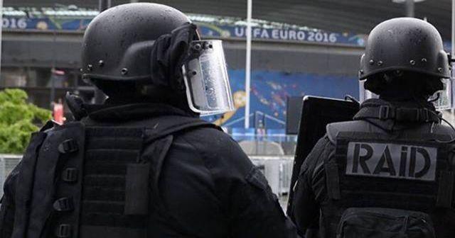 Stade de France yakınında patlama