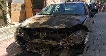 Esenyurt'ta 4 araç kundaklandı