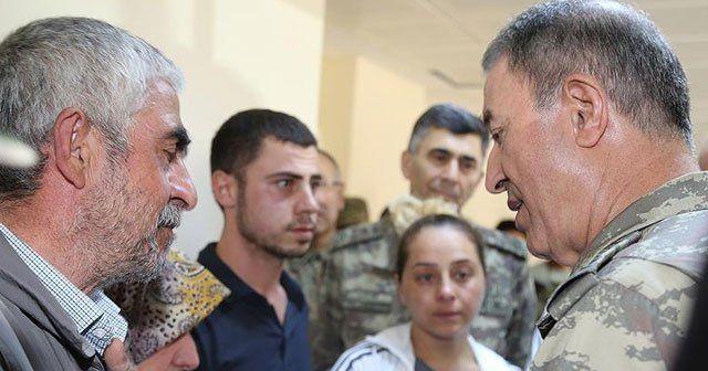 Genelkurmay Başkanı Akar'dan yaralı üsteğmene ziyaret