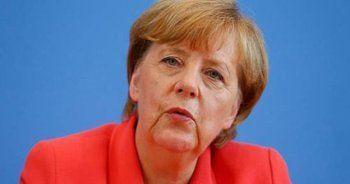Angela Merkel'e soğuk duş