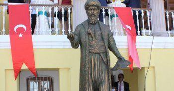 Çanakkale'de Piri Reis heykeli dikildi