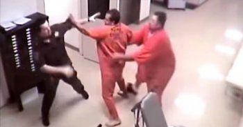 Gardiyanı mahkumun elinden diğer mahkum kurtardı