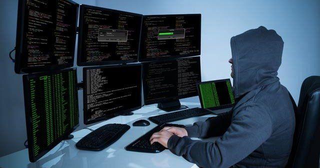Azeriler Ermenistan'ı hackledi