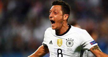 Mesut Özil, Almanya tarihine geçti