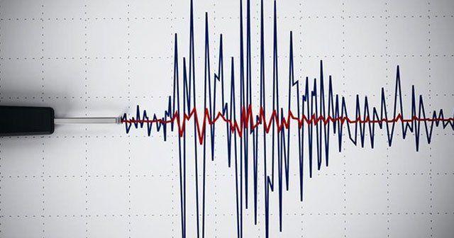 Van'da korkutan deprem, sallandılar