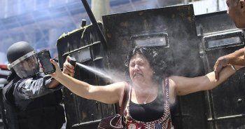 Rio'da kemer sıkma politikalarını protesto eden göstericilere sert müdahale