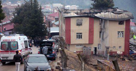 Adana'daki yurt yangınıyla ilgili 14 gözaltına alındı