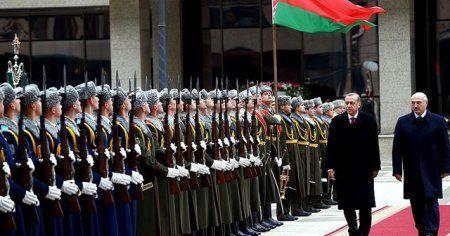Cumhurbaşkanı Erdoğan, Belarus'ta resmi törenle karşılandı