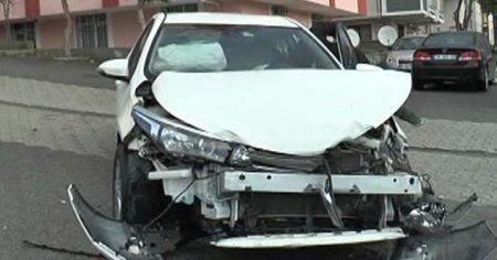 Ataşehir'de 3 kişinin yaralandığı kazadan gasp çıktı