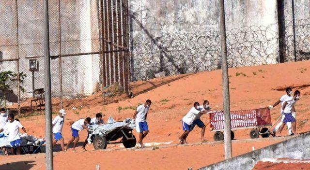Brezilya'da 26 kişinin öldüğü cezaevinde yeniden isyan