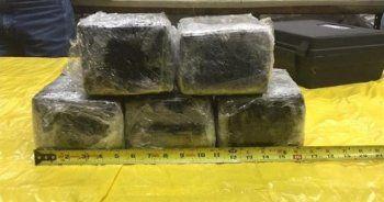 Amerikan Havayolları uçağının burnunda 14 kilo kokain yakalandı