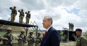 Başkomutan Erdoğan , aşika kampında görev yapan askerleri aradı