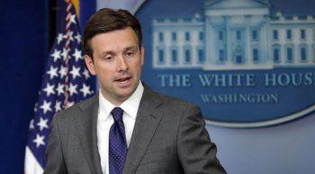 Sözcü Earnest Beyaz Saray'a veda etti