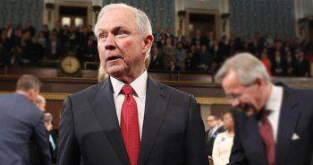 ABD Adalet Bakanı'nın için bastırılıyor