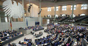 Alman parlamentosundaki 2 Türk vekilden