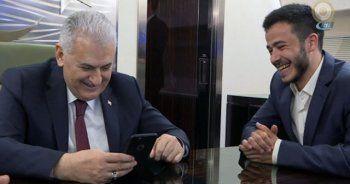 Başbakan uçakta telefonla kız istedi