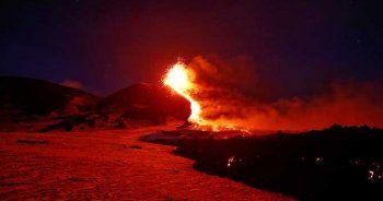Etna'da devasa patlama! Alarm verildi