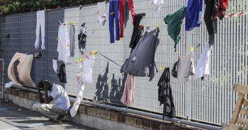 İtalya'da göçmenlerin kaldığı kampta yangın