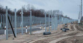 Macaristan'dan sığınmacılar için ikinci tel örgü