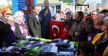 Suriye'deki Türk askerlerine bere, atkı ve kazak gönderdiler