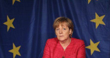 Angela Merkel'den referandum mesajı: Bekleyelim