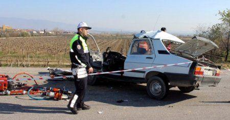 Manisa'da feci kaza: Ölüler var