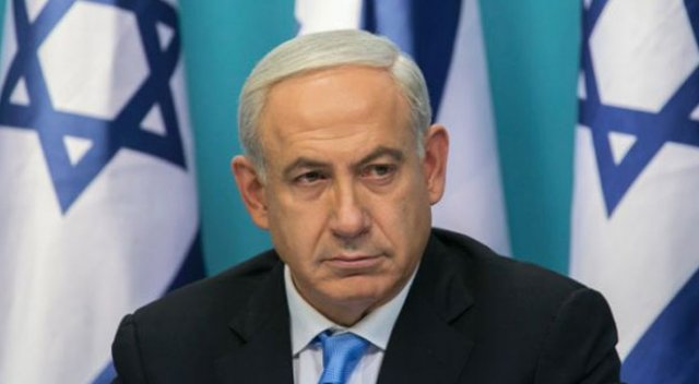 Netanyahu Hamas'ın siyaset belgesini yırttı
