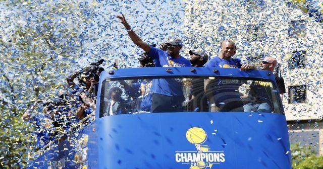 Şampiyonluğu 1 milyon taraftarla kutladılar