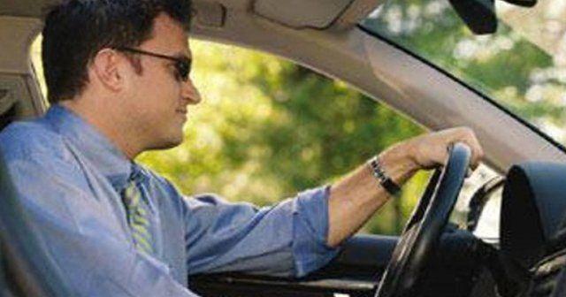 Sürücülere kolormatik güneş gözlüğü uyarısı