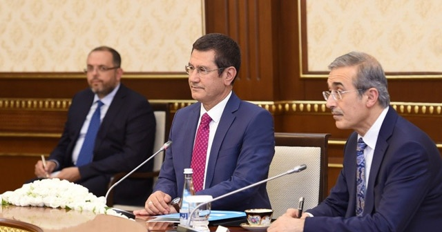 Özbekistan Cumhurbaşkanı Mirziyoyev, Milli Savunma Bakanı Canikli'yi kabul etti