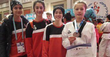Osmaneli'den 4 taekwondocu Milli Takım seçmelerine katılıyor