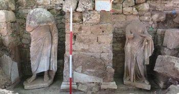Side Antik Kentinde Roma Dönemine ait iki heykel bulundu