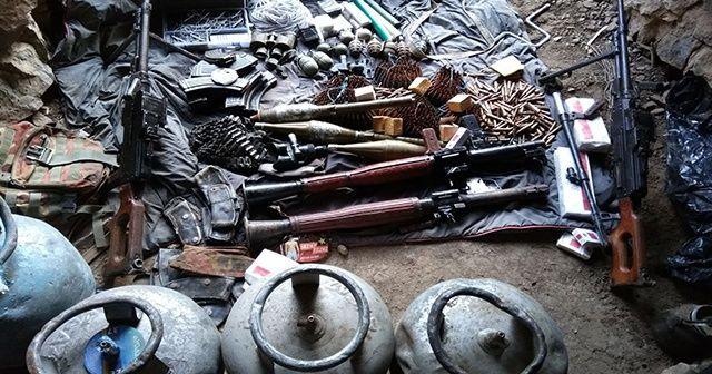 Hakkari'de mağarada çok sayıda mühimmat ele geçirildi