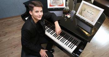 13 yaşındaki piyanist Kaan Turan, İtalya'daki yarışmada birinci oldu