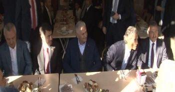 Başbakan Yıldırım, basın mensuplarıyla kahvaltı yaptı