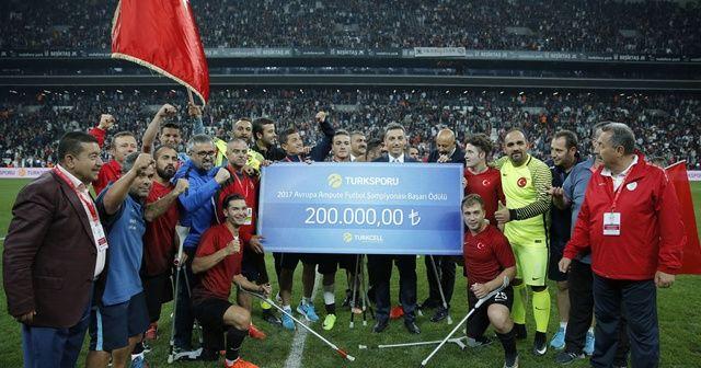 Engellilerin tek sponsoru Turkcell'den şampiyonlara tam destek