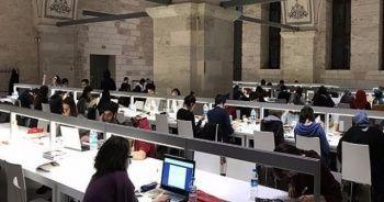 Beyazıt Devlet Kütüphanesi 24 saat hizmet veriyor