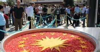 Cumhurbaşkanlığı, Diyarbakır'da aşure dağıttı