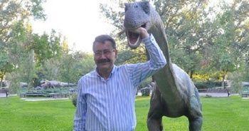 Gökçek'ten kaldırılan dinozor heykeli ile ilgili açıklama