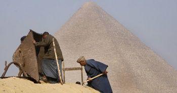 Piramitlerde sürpriz keşif