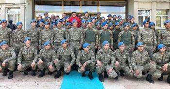 Rıza Kayaalp'ten asker ve polislere moral ziyareti