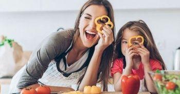 Sağlıklı beslenen çocuk daha mutlu oluyor