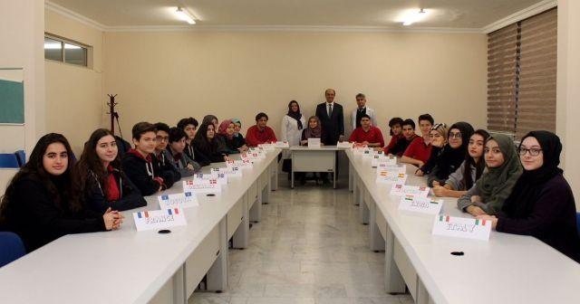 İhlas Koleji öğrencileri EYP ve MUN konferanslarında ülkemizi temsil edecekler